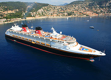 "<p><span style=""font-size: 0.9em;"">Book your<br /><span style=""font-size: 1.1em;""><strong>Disney Cruise Line</strong></span> with <strong>MagicBreaks</strong></span></p>"